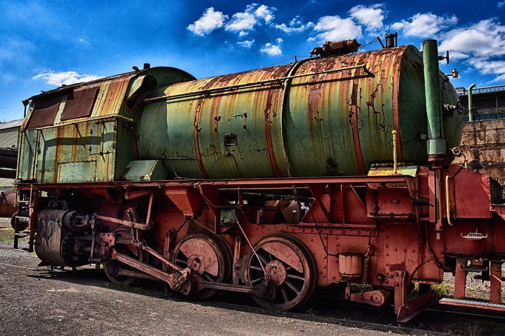 Streetart Art Kunst Technik  Diesellok Zug Industrie
